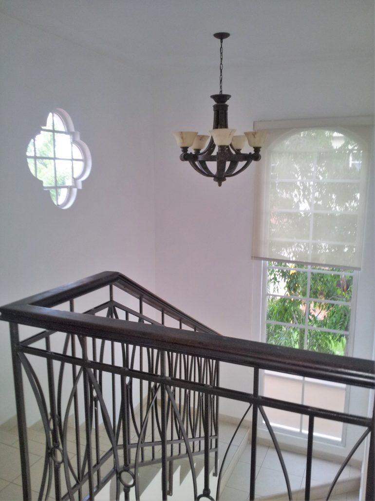 vista-escalera-desde-piso-superior