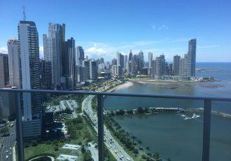 Alquiler de apartamento en edificio White Tower